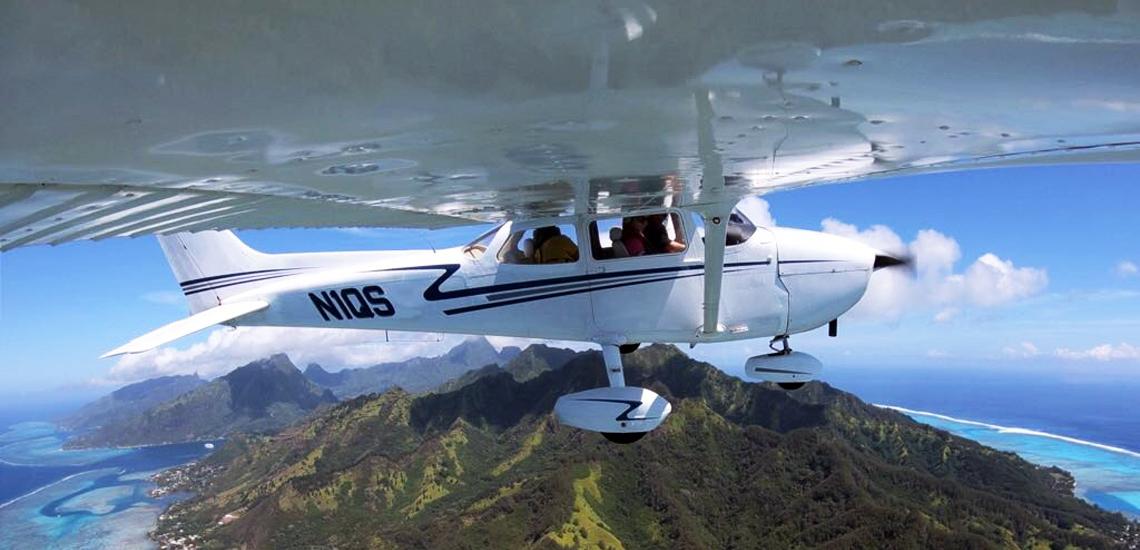 https://tahititourisme.nz/wp-content/uploads/2017/08/C3P-Cessna-above-Moorea.jpg