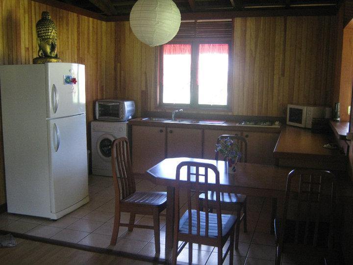 https://tahititourisme.nz/wp-content/uploads/2017/08/Fare-Tiare-painapo-cuisine.jpg