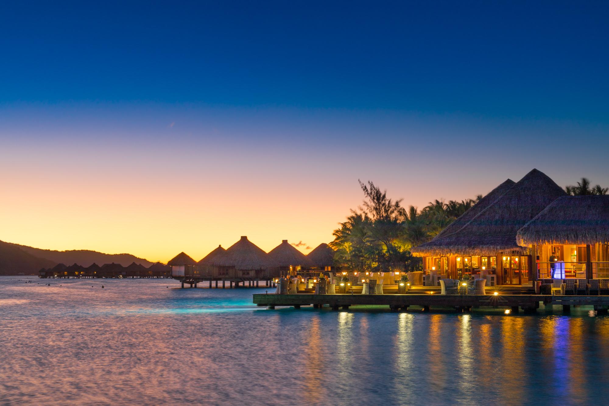 https://tahititourisme.nz/wp-content/uploads/2017/08/Lagoon-Restaurant.jpg