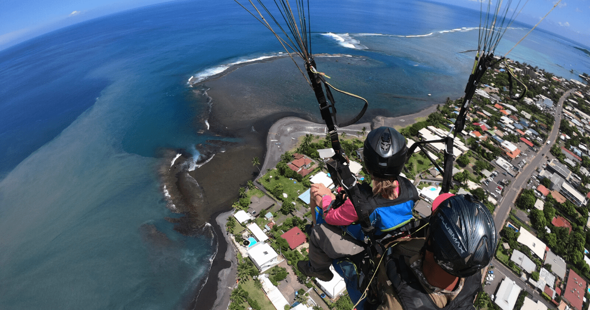 https://tahititourisme.nz/wp-content/uploads/2017/08/TahitiParapenteSafari_1140x550-min.png