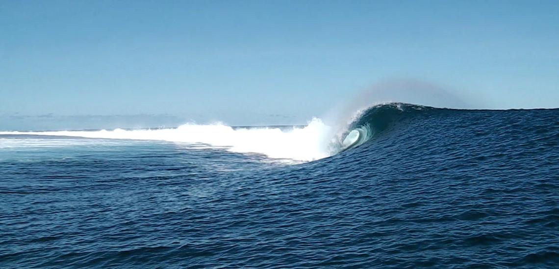 https://tahititourisme.nz/wp-content/uploads/2017/08/Tehanis-surf-cool.png