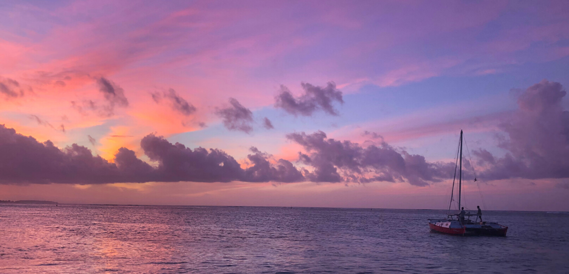 https://tahititourisme.nz/wp-content/uploads/2017/08/voilamoorea_sunset_1140x550.png