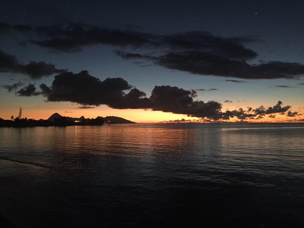 https://tahititourisme.nz/wp-content/uploads/2017/09/Mer-coucher-de-soleil.jpg