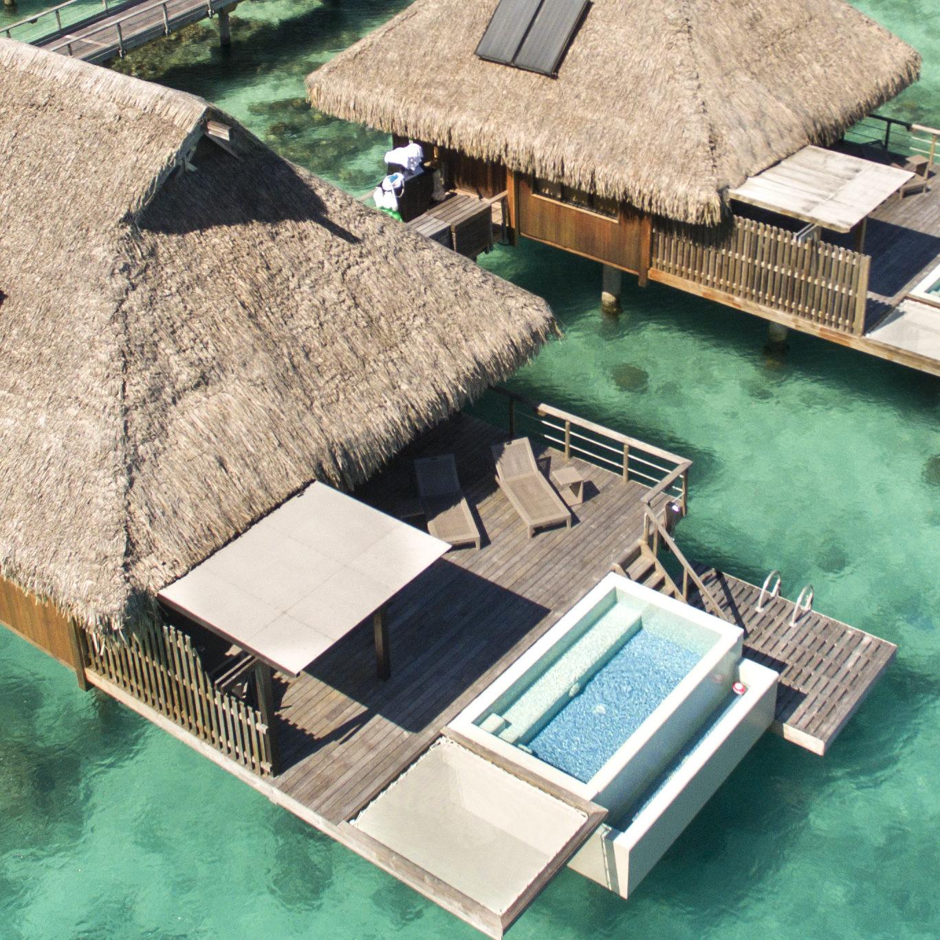 https://tahititourisme.nz/wp-content/uploads/2017/11/Pool-Overwater-Villas-e1510120997595.jpg