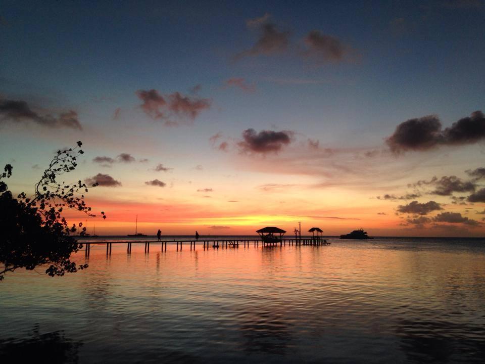 https://tahititourisme.nz/wp-content/uploads/2017/11/Sunset@SunsetBeachMotel.jpg