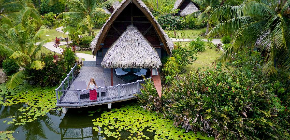 https://tahititourisme.nz/wp-content/uploads/2017/12/premium-bungalows-lake-_16767319042_o_600.jpg