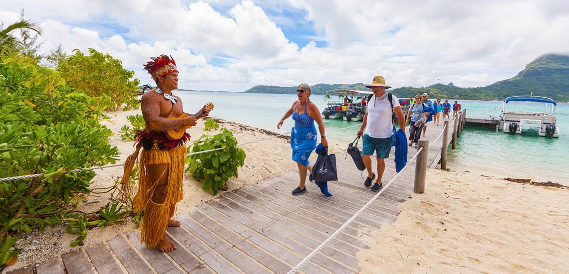 https://tahititourisme.nz/wp-content/uploads/2018/02/Aranui_0007_Bora-Bora_021.jpg