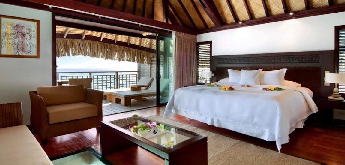 https://tahititourisme.nz/wp-content/uploads/2018/07/HiltonMooreaLagoonresortSpaOverwaterBungalow-2.jpg