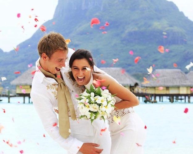 Get married in Magical Moorea