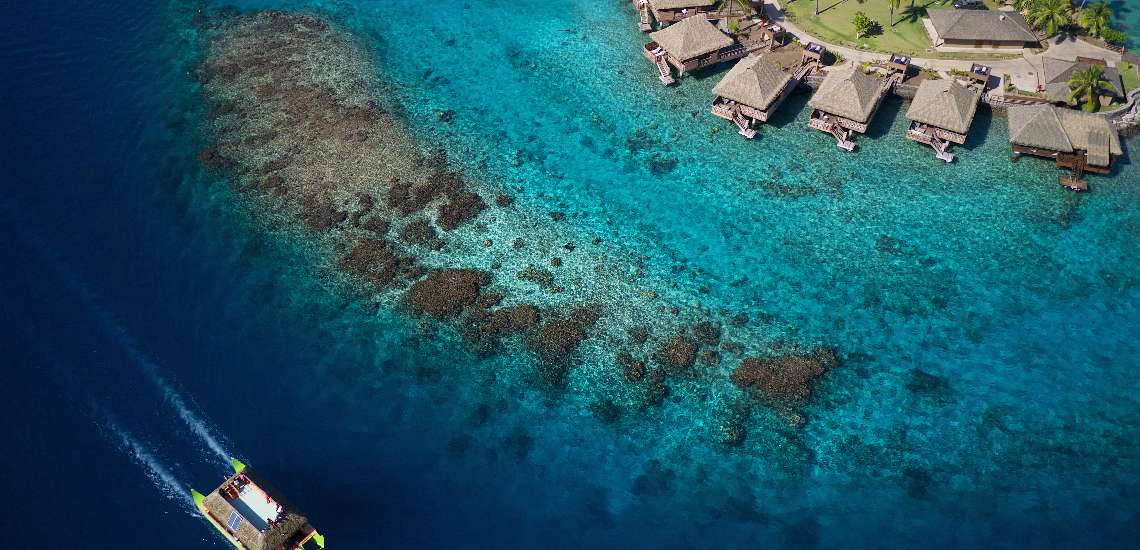 https://tahititourisme.nz/wp-content/uploads/2019/01/aerial-view-of-the-new-motu-overwater-bungalows_21311746598_o_600-1.jpg