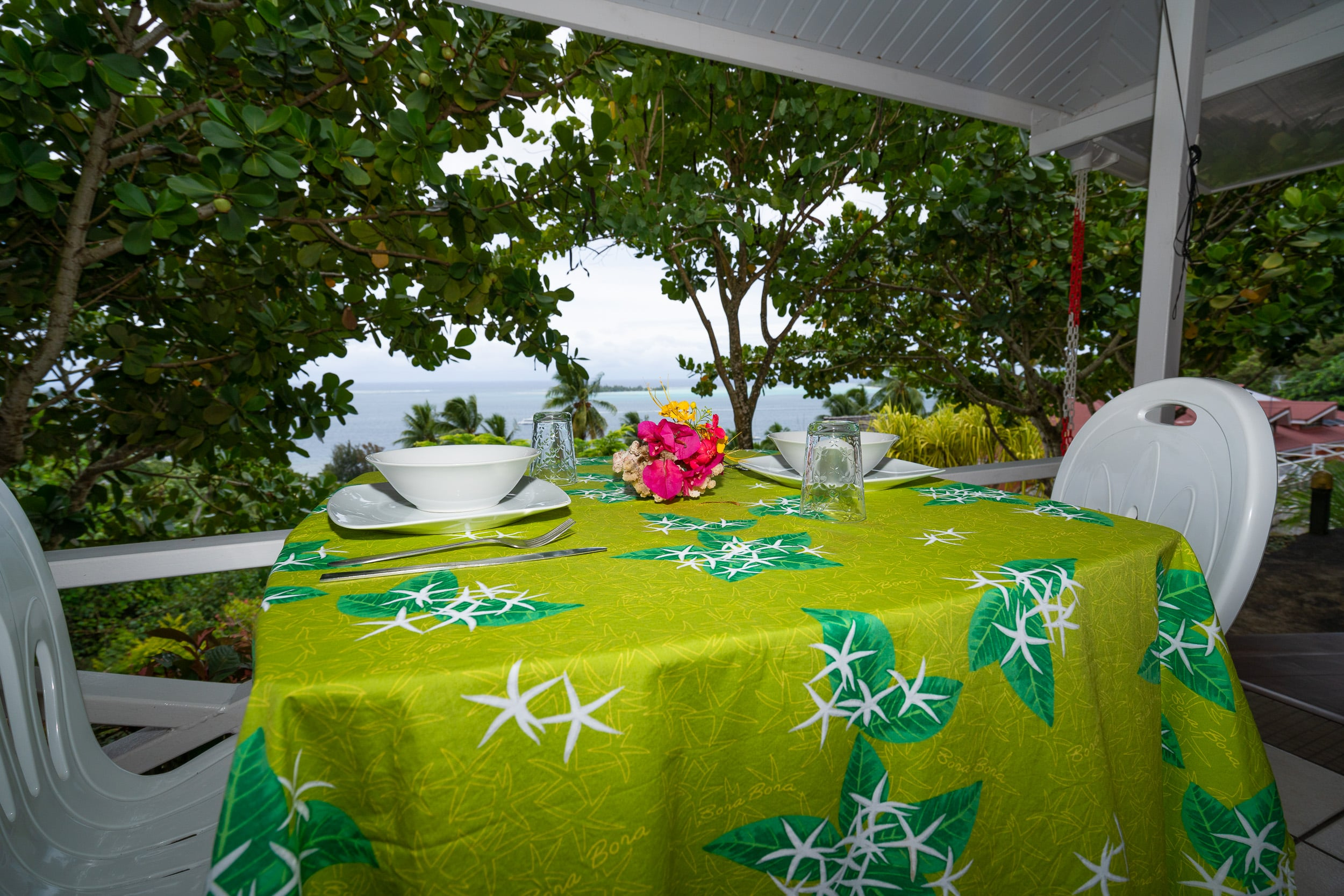 https://tahititourisme.nz/wp-content/uploads/2019/03/Bora-Holidays-lodge-bungalow-14-min.jpg