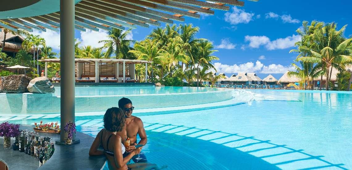 https://tahititourisme.nz/wp-content/uploads/2019/05/Conrad-Bora-Bora-Nui-F-and-B-Tarava-Pool-Bar-2_600-1.jpg