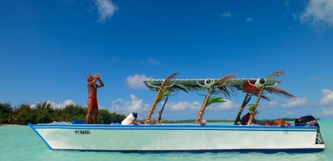 https://tahititourisme.nz/wp-content/uploads/2019/05/RostoService_1140x550-1.png