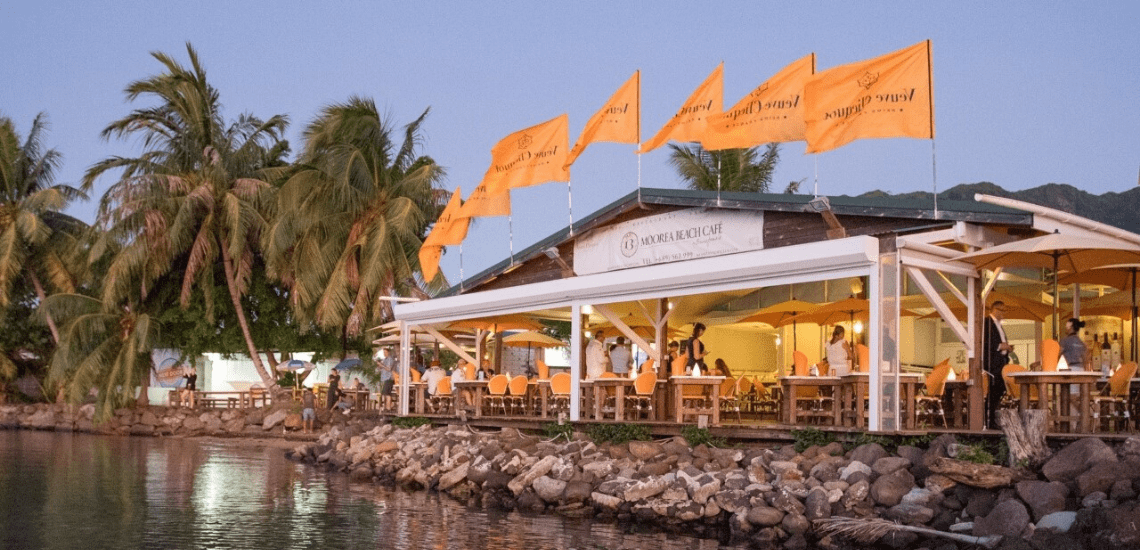 https://tahititourisme.nz/wp-content/uploads/2020/01/mooreabeachcafe_1140x550-min.png